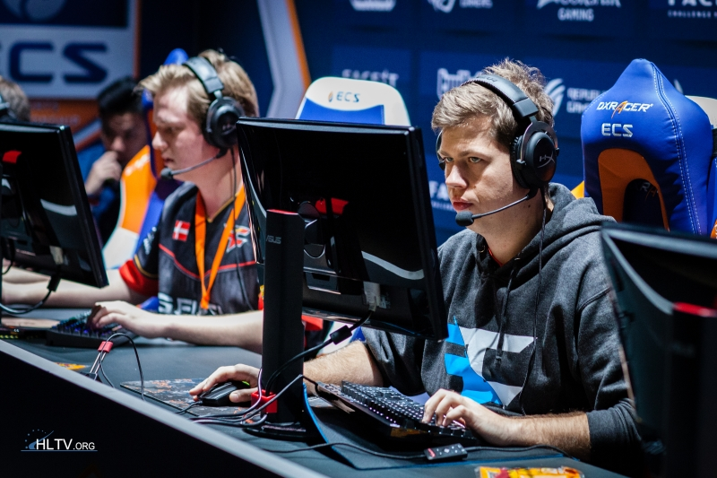 karrigan and aizy with FaZe Clan at ECS S2