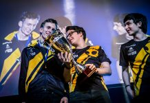 Dignitas with trophy