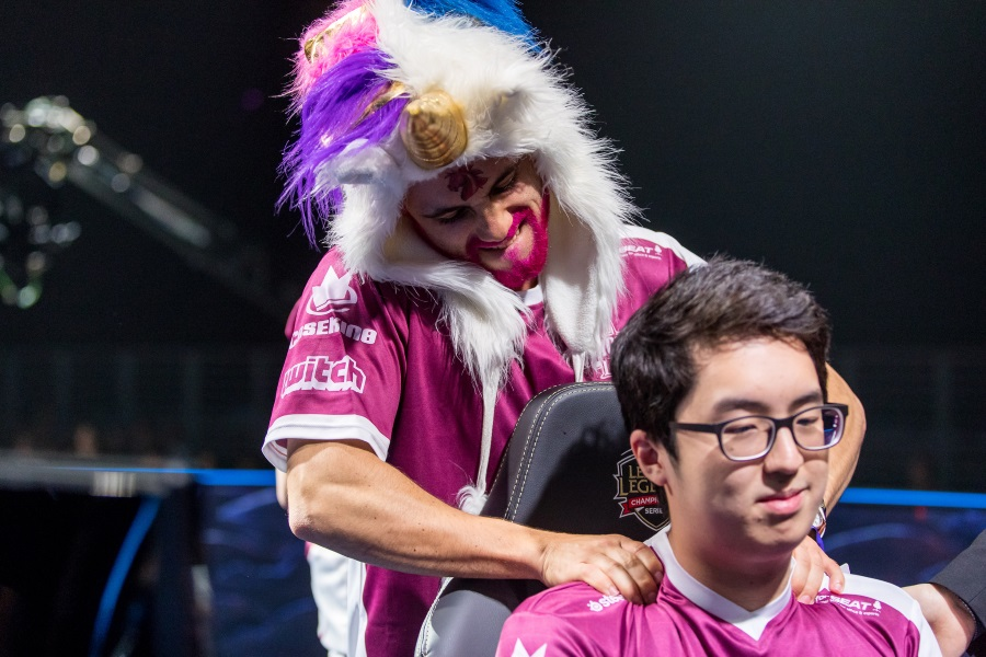 Gauntlet Day 2: UOL and C9 Advance to Final Round ...  Gauntlet Day 2:...