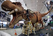 PAX East 2017 - Giant T-Rex from PAX East 2016