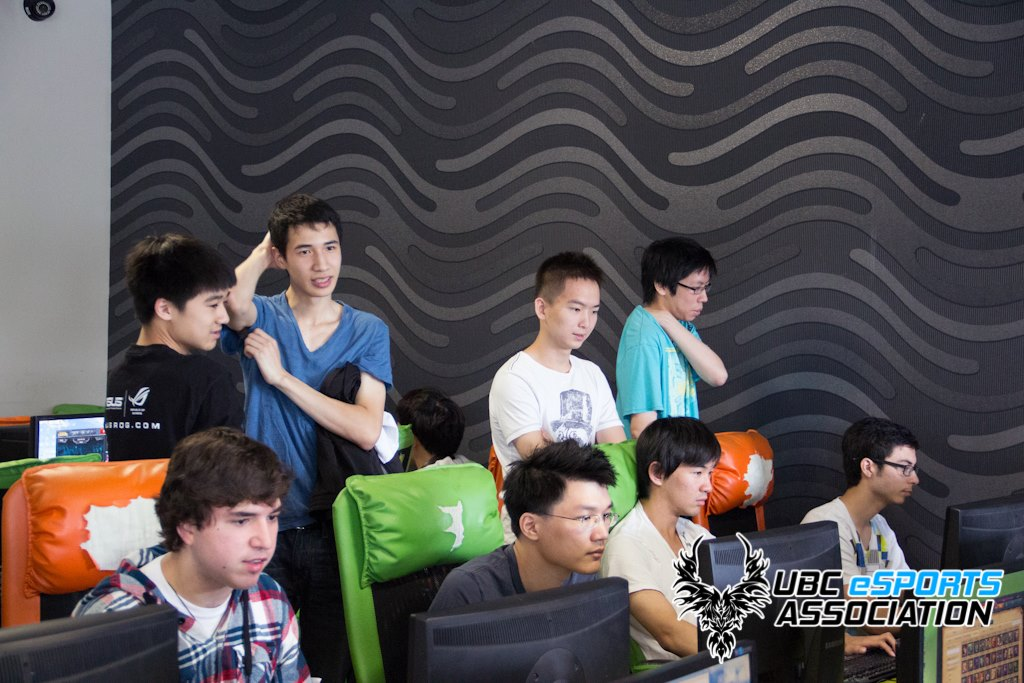 Altec at DNA Internet Cafe, one of Canada's PC bangs/LAN cafes.