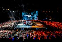 Photo taken from the crowd at Worlds 2015.