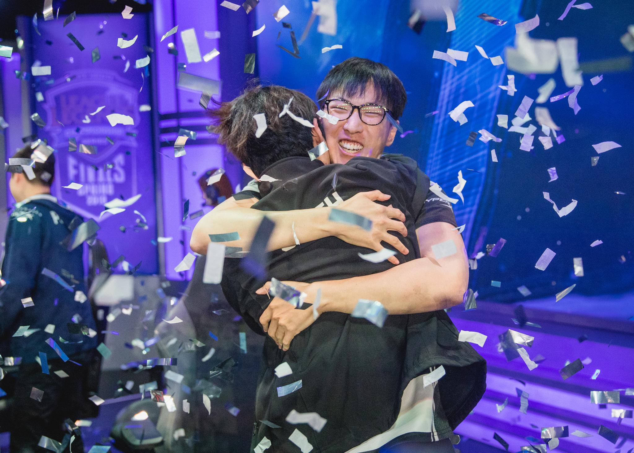 Doublelift celebrates Team Liquid's success